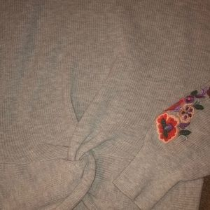Express Sweaters - Embroidered sweater with cut out shoulders